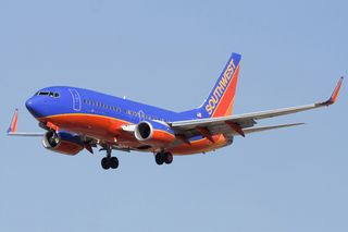 Southwest_Airlines_Boeing_737-7H4_N231WN