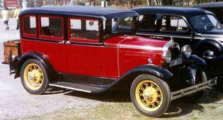 1930_Ford_Model_A_4-Door_Sedan_KNP359